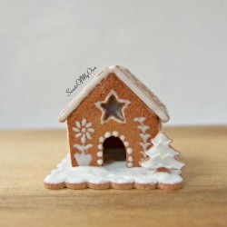 Miniature White Icing Style 3 Gingerbread House  Dolls House Miniature Food   Ba