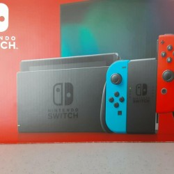 Nintendo Switch 32GB Neon Red/Neon Blue Console V2. Slightly Used-Free Shipping