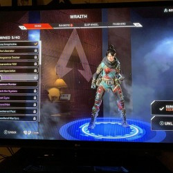 Apex Legends Level 103 Wraith With Extremely Rare Heirloom Kunai Knife Account