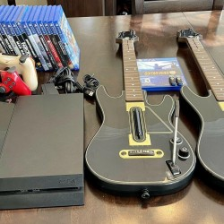 Sony PlayStation 4 2TB Console Bundle Black USED PS4 +21 AAA Games