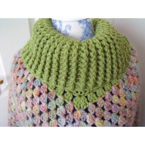 ladies crocheted roll neck poncho in green,   size
