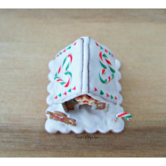 Miniature Red Green White Gingerbread House - Heart C y Cane Roof - Dolls Hous